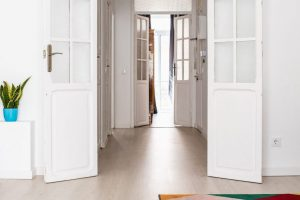 Featured clean room and a corridor is how you should prepare you home for an open house